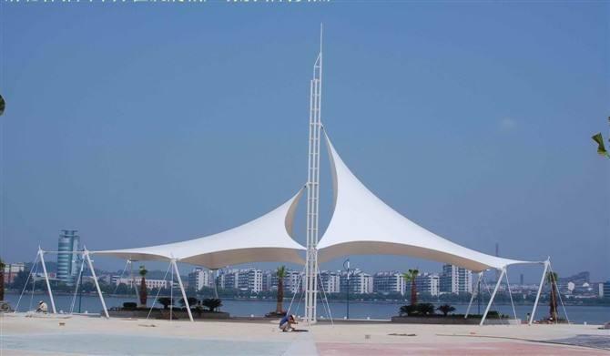 大同膜结构景观篷施工现场该如何做好安全性措施?