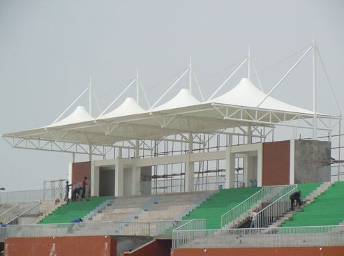 兴城/哈尔滨膜结构看台钢结构的焊接过程