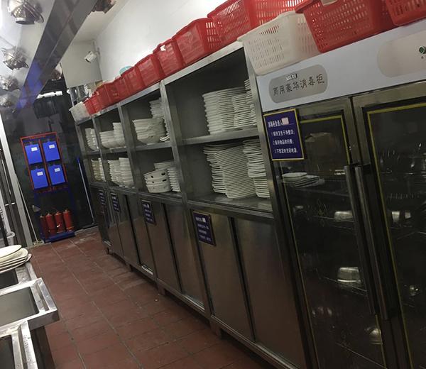 怎么才能消除不锈钢厨房设备上的污垢