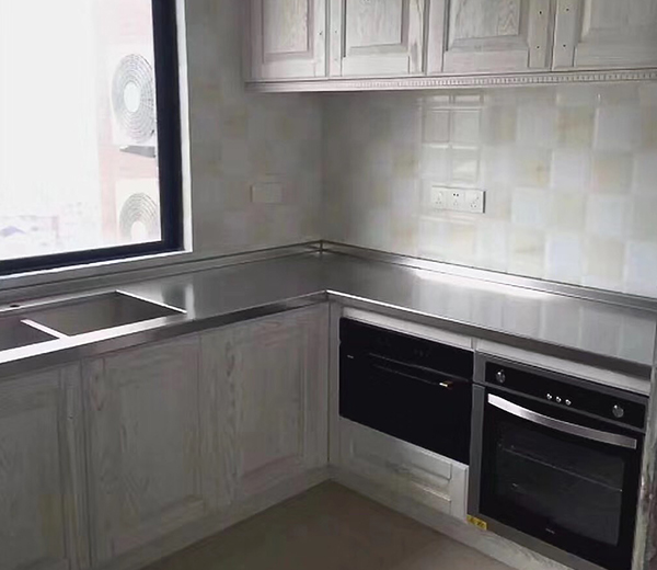 怎么處理廚房設備燃氣灶脫火的問題?