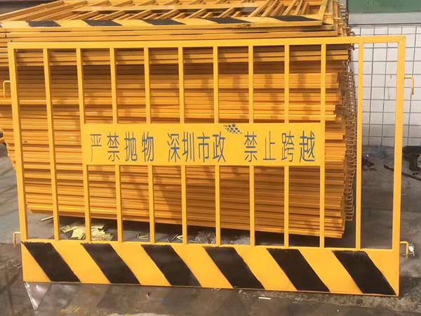 不锈钢交通护栏