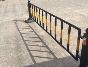 马路交通护栏