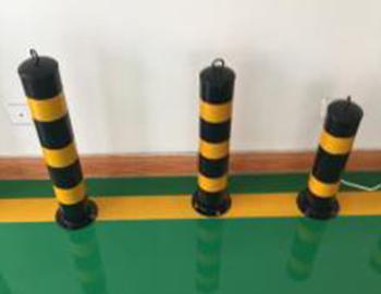 防撞铁立柱