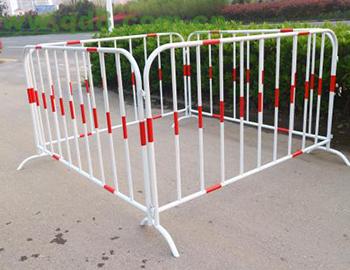 福建防撞铁马护栏