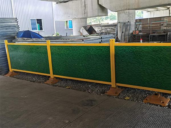 钢木复合板施工护栏