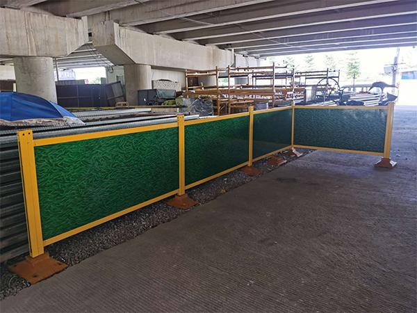 钢木复合板护栏