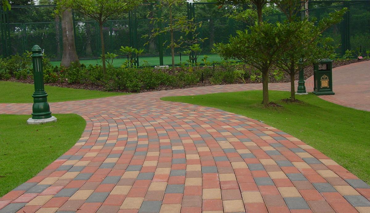公园人行道透水砖案例