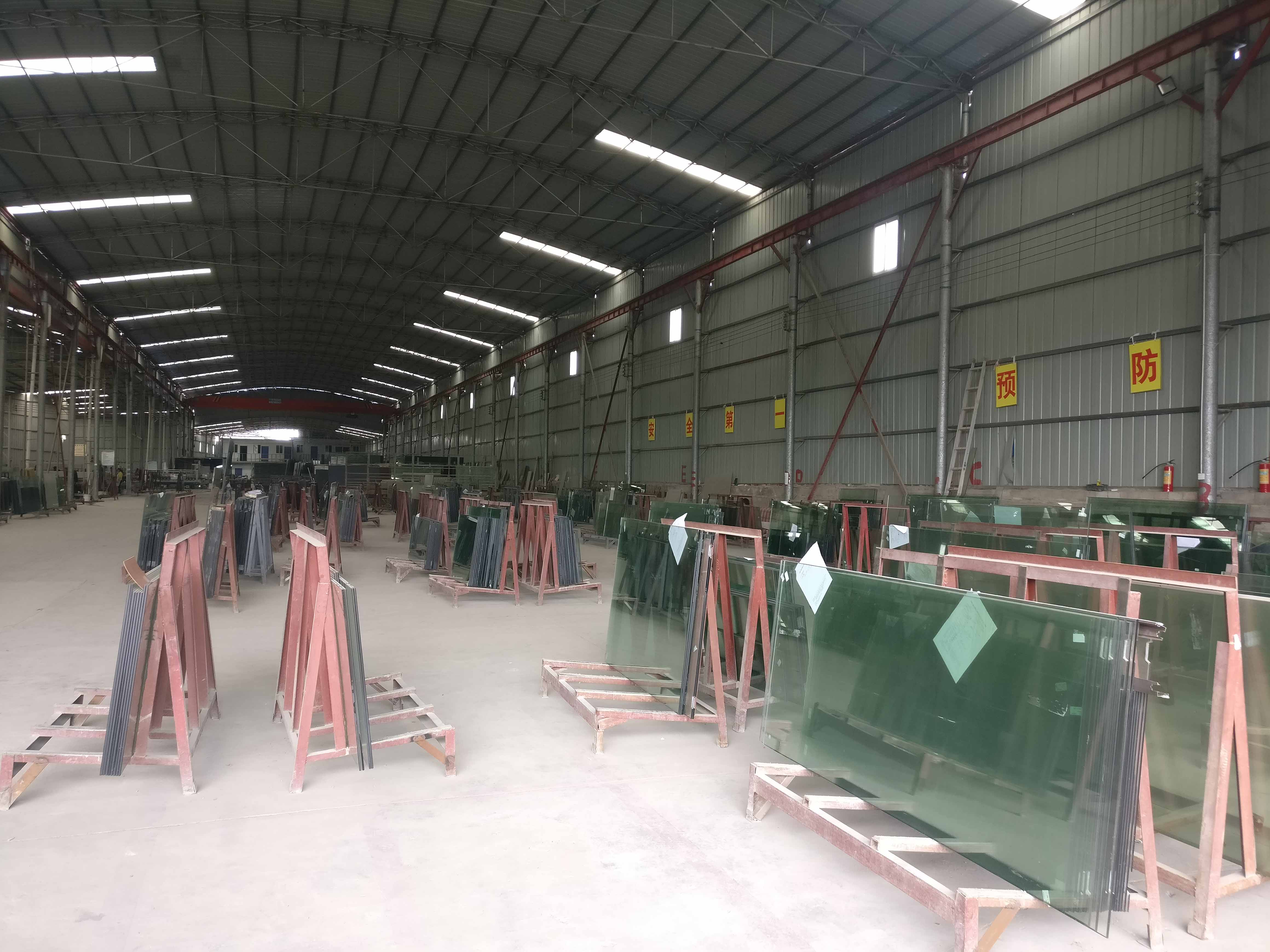 貴州鋼化玻璃批發