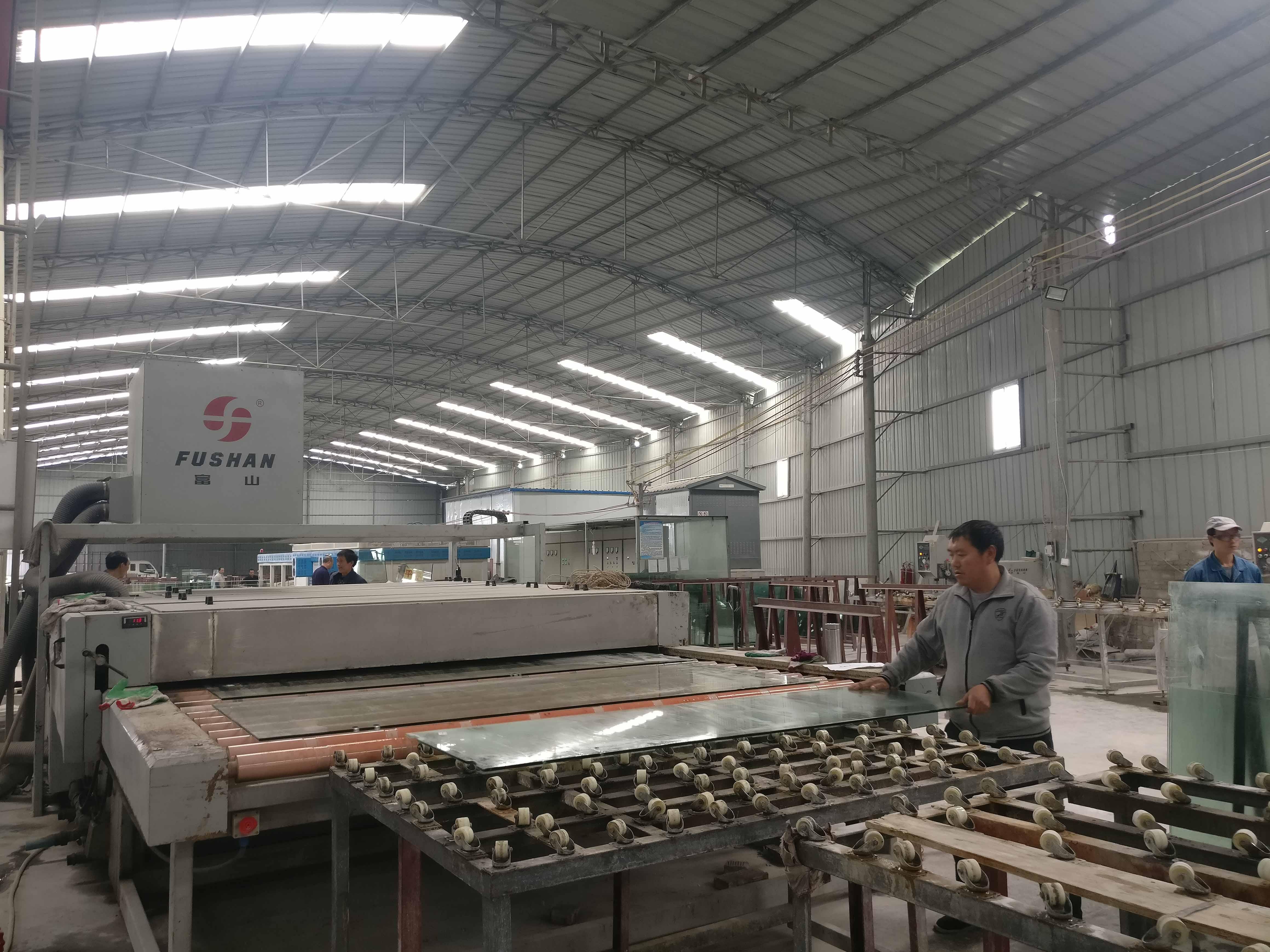 貴州鋼化玻璃廠家