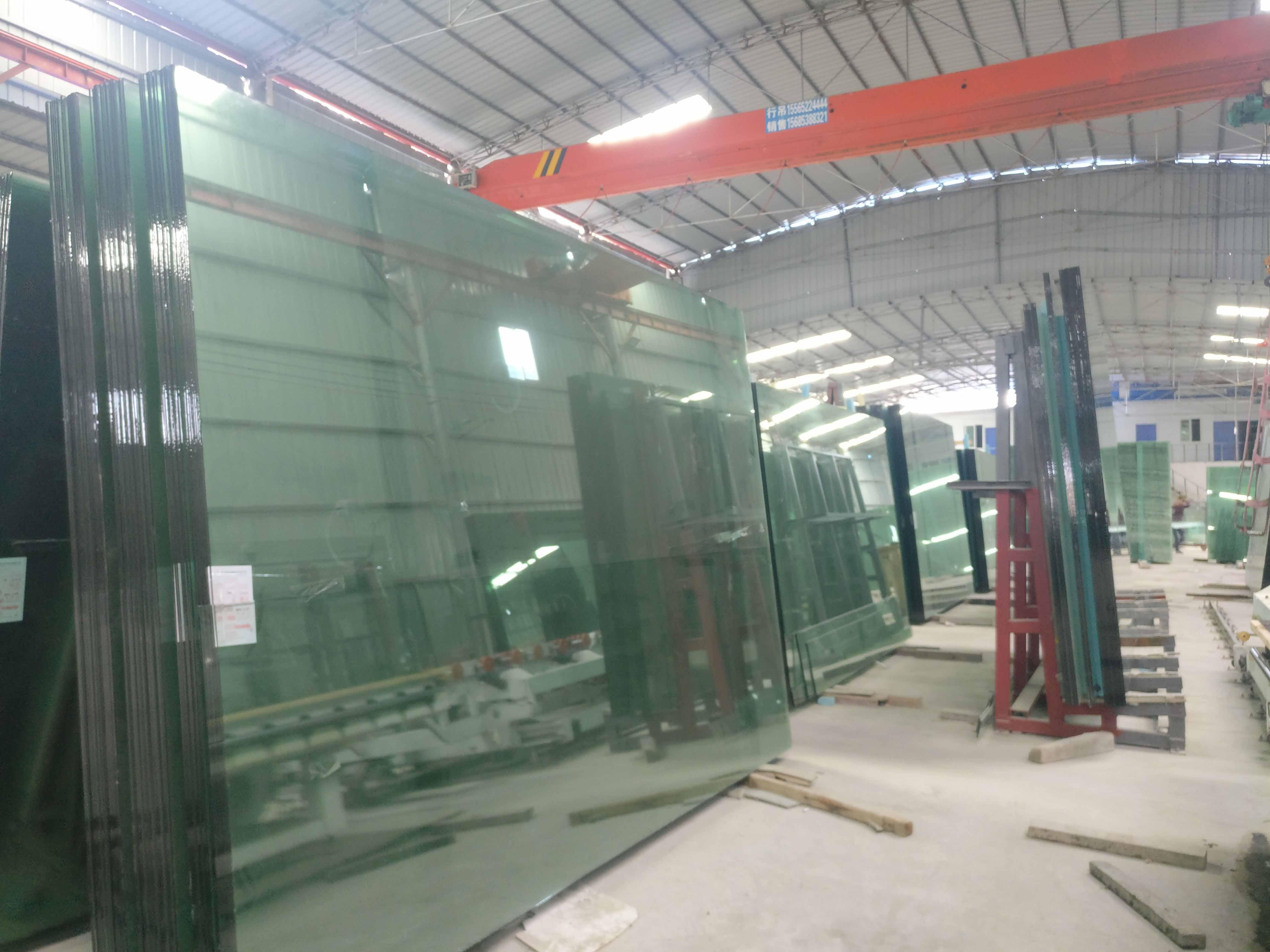 貴州彩色鋼化玻璃