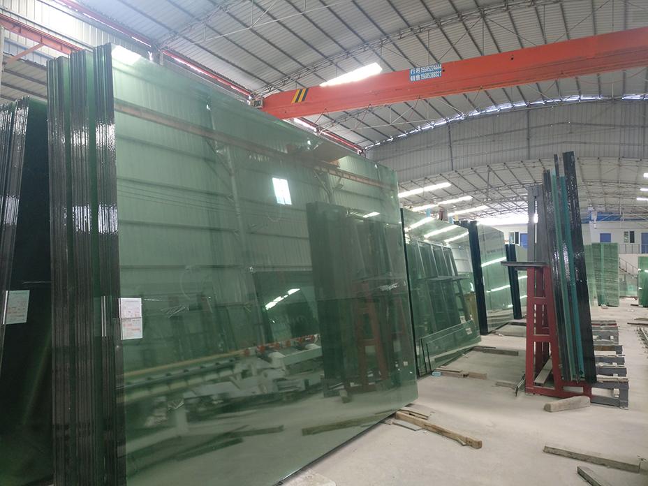 貴州鋼化玻璃加工廠