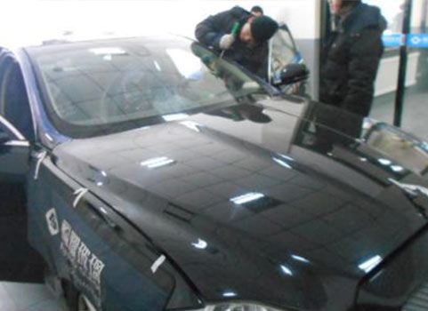 沈阳汽车玻璃更换厂家提示 把改革重点放到解决实际问题上来!