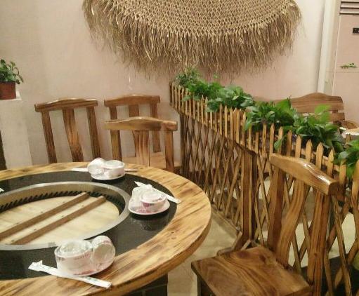 柴火铁锅炖桌子内部构造