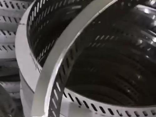 电陶炉铁锅炖灶台