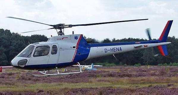 新疆植保飞防首用直升机单趟喷药面积800亩