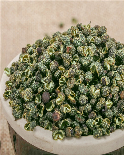 四川哪里有干的藤椒嘛?干藤椒多少錢一斤啊?