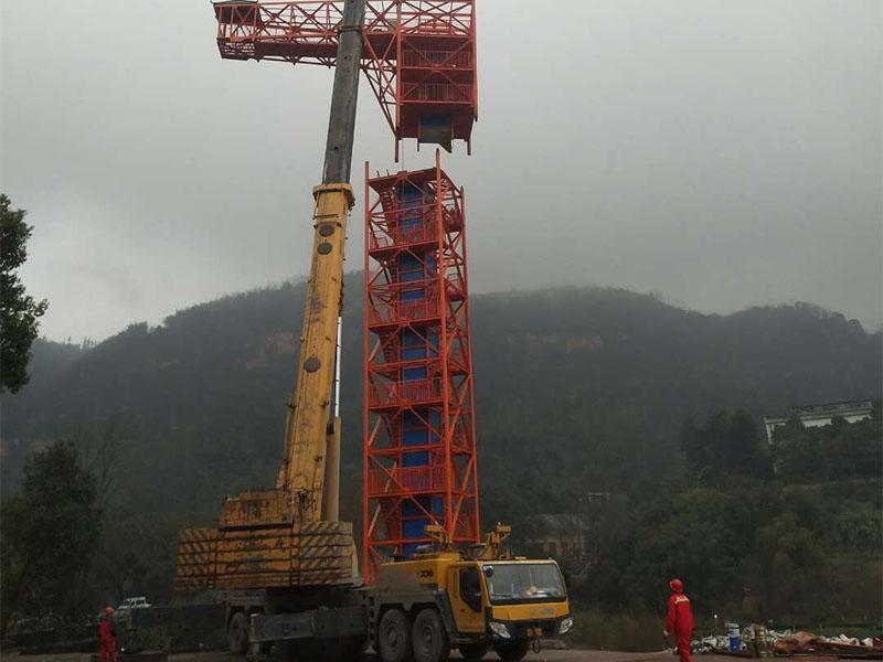 洪雅吊车租赁商家在洪雅工地的施工现场