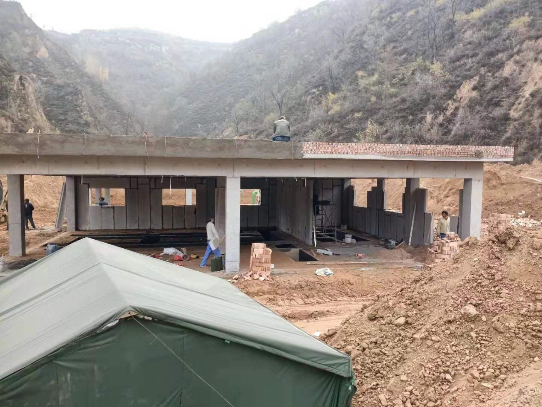 西沟贬高速公路隧道口水泵房