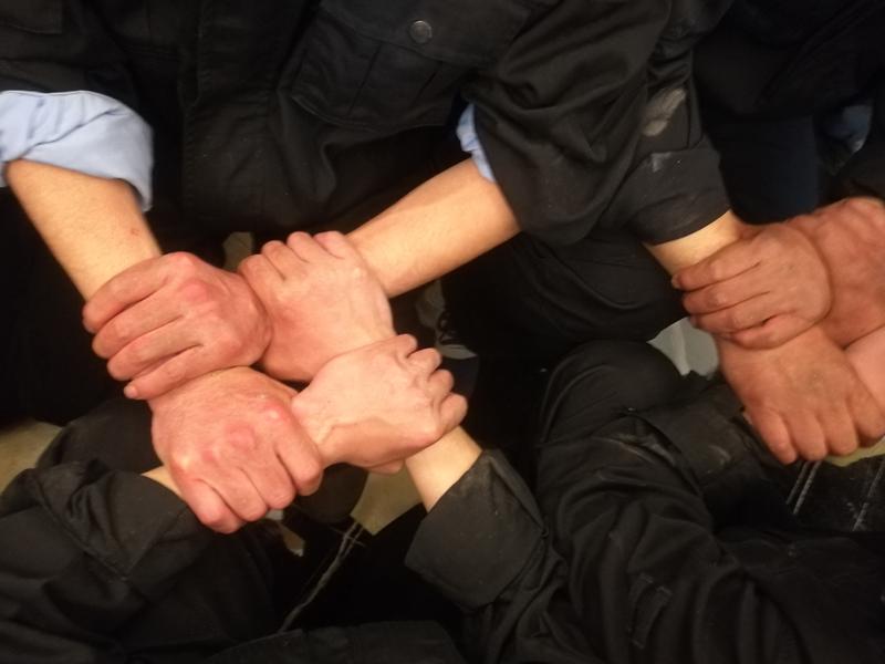 室內搶渡金沙江企業拓展培訓項目