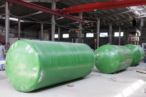 高品质数控设备缠绕内加强筋玻璃钢化粪池