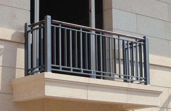 小区阳台护栏