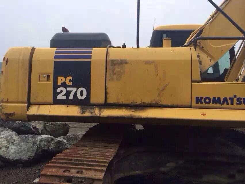 小松挖掘机异响维修