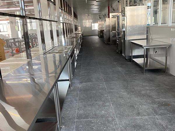 南平不锈钢厨房设备应怎样清洁与维护?