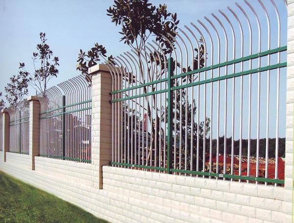 襄阳锌钢护栏厂家分析目前高速…