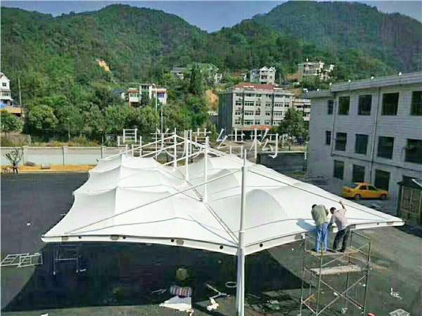 大型膜结构停车棚