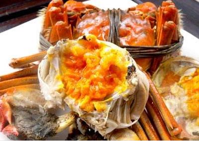 品尝襄阳大闸蟹您是不拘小节还是吃的精致