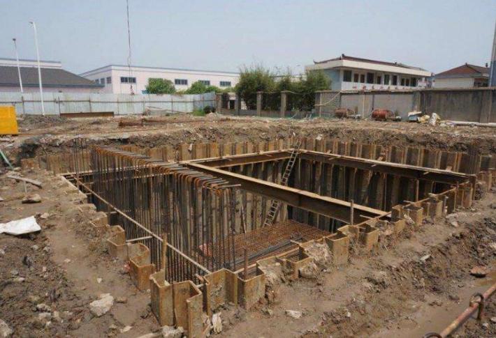 钢板桩防护施工