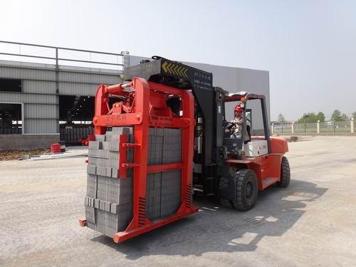 科達1300壓機生產線專配抱磚機