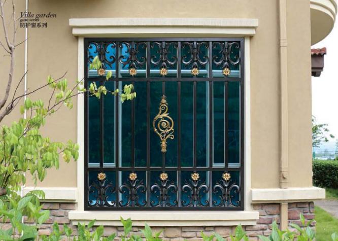铝艺大门属于建筑装饰五金类别大致加工工艺如下