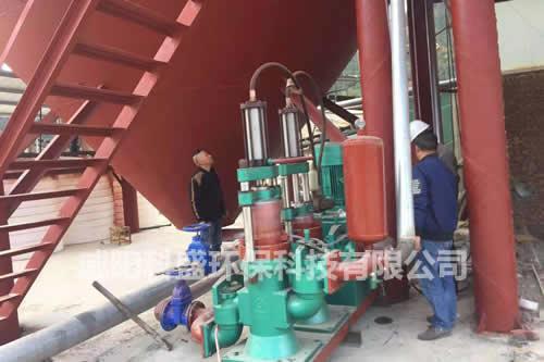 广西为客户泥浆泵安装现场