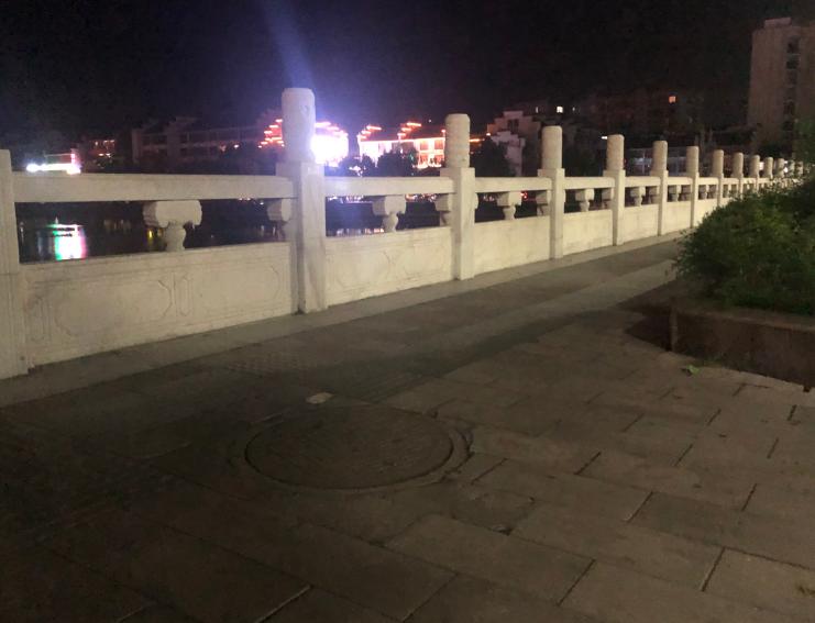 西门桥井盖安装