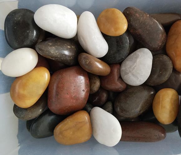 3-5公分彩色雨花石