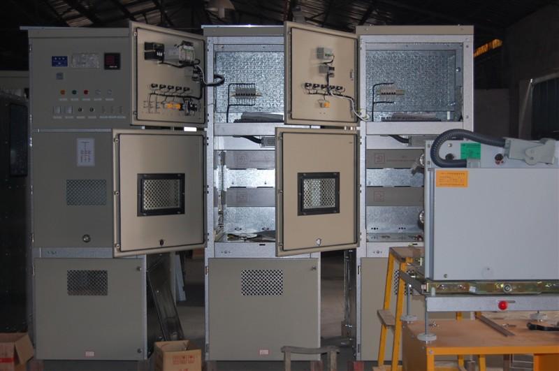 運轉中的高低壓配電柜需要工作人員輪流看管