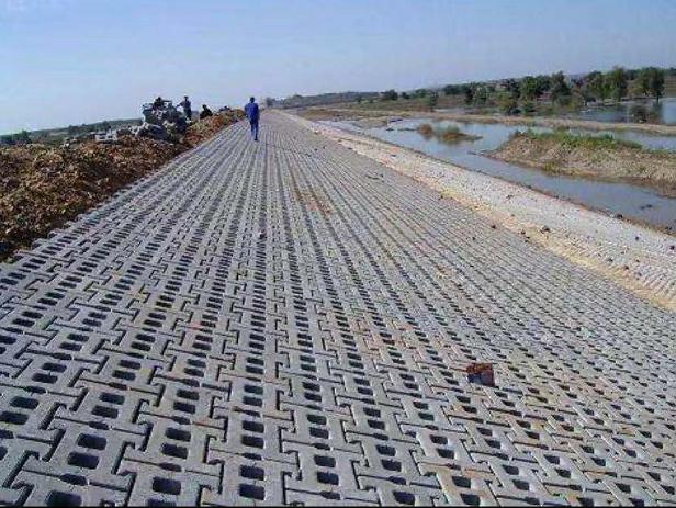 鎖鏈護坡磚