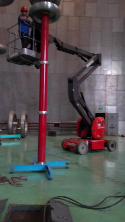 交直流分压器,主要由高稳定性无源阻容分压器和高精度数字千伏表组成