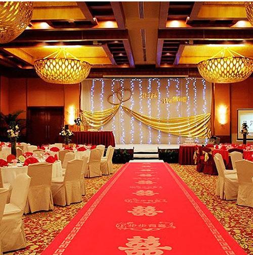 婚禮現場紅毯區布置