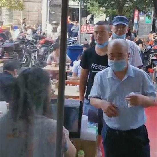 一桥店面馆生意火爆视频