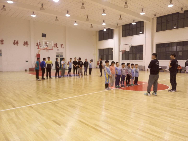 體育籃球培訓