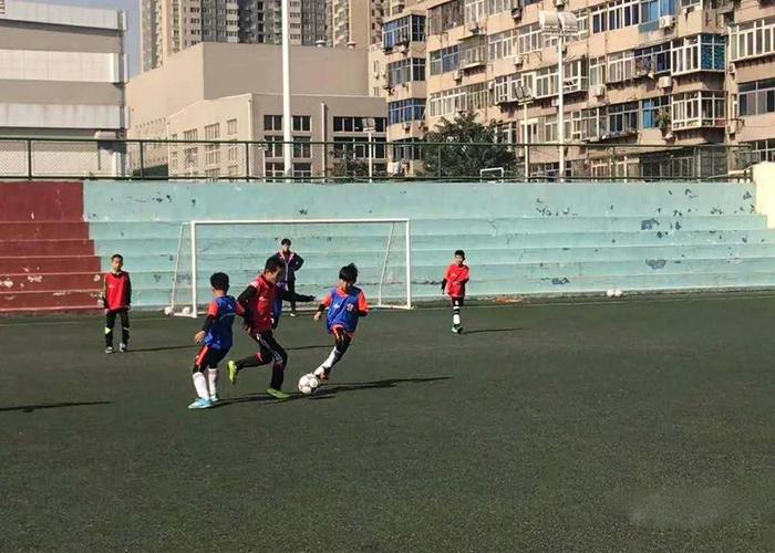 青少年足球培訓