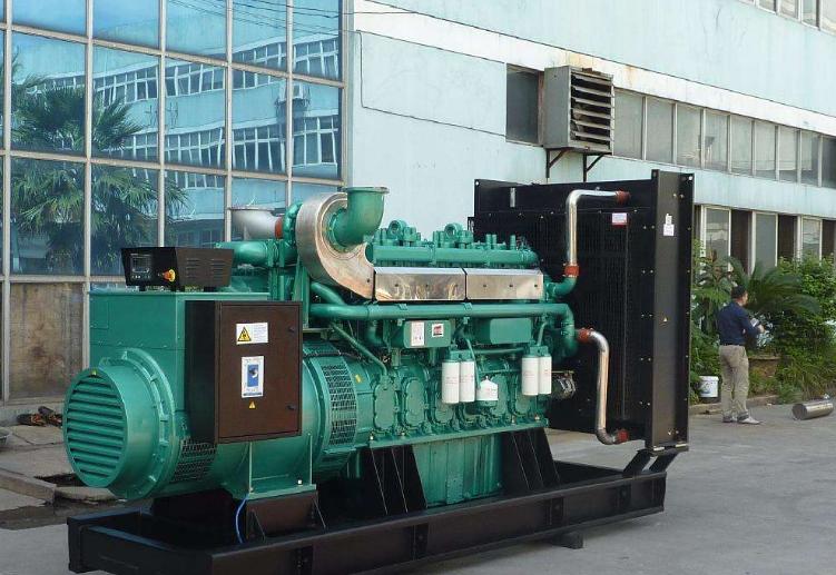 如何判断湖南柴油发电机组的油耗及功率呢?