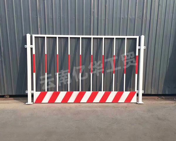 建筑工地基坑护栏网