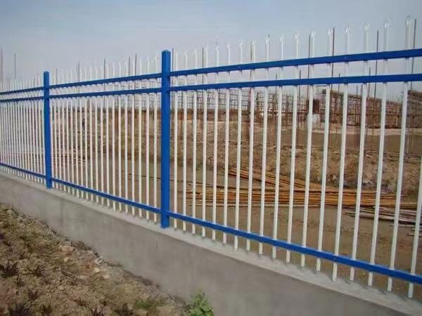 小区防护栏的不 二 之 选-锌钢防护栏