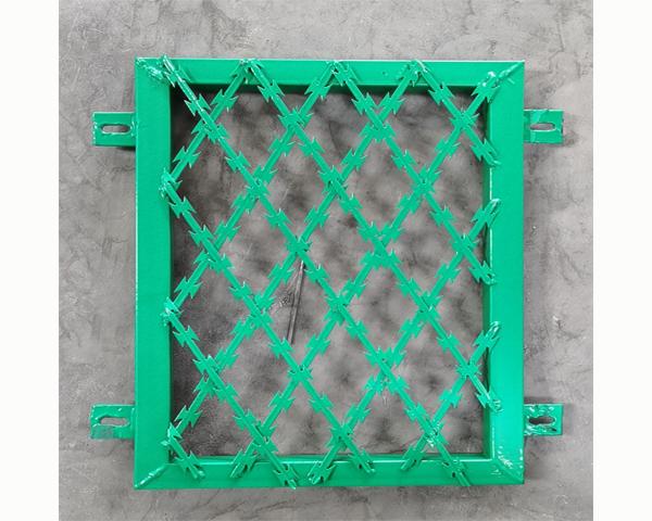 刀片焊接护栏网