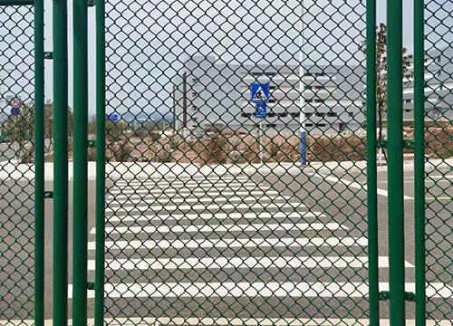 高速道路护栏网
