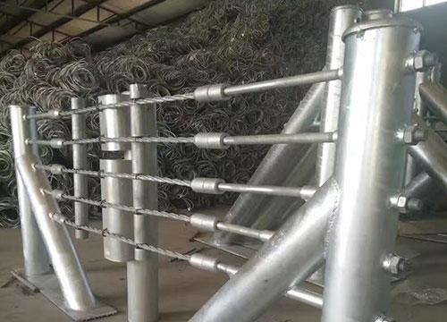 钢性防护网