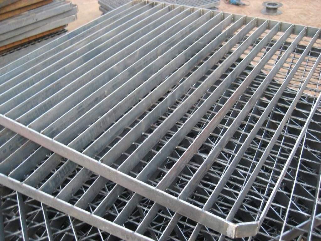 造成熱鍍鋅鋼格柵尾端粗糙原因有哪些?